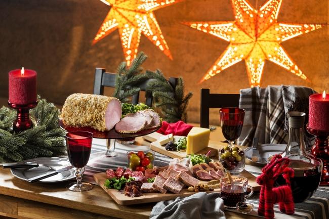 ひと足早くスウェーデンのクリスマスを味わう期間限定ワンコインの「ミートプレート」
