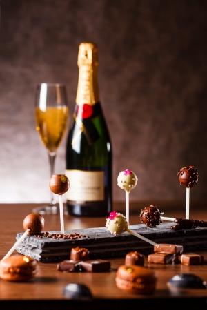 ストリングスホテル、新店舗『バブルズバー』オープン、オープニングにバレンタインイベントも