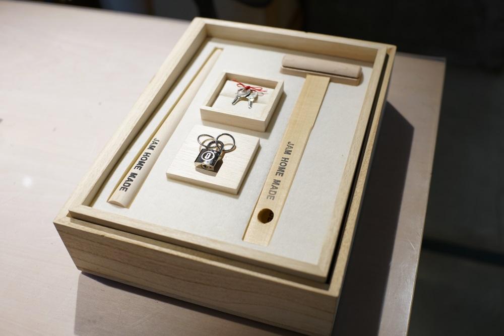 「名もなき指輪(プラチナ)」は、リングが2つ。ブライダル使用になっています。